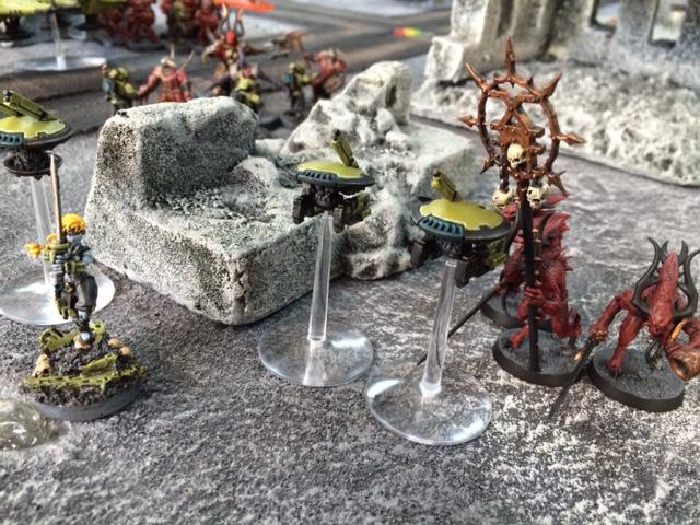 7 Strange Alien Allies
