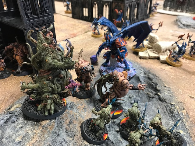1 Death Guard versus Tzeentch